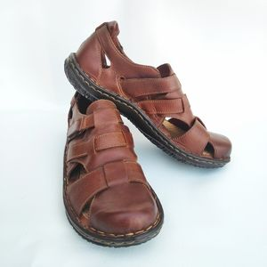 Born Lakelyn Sandal in Tan B56516 Size 8 / 39
